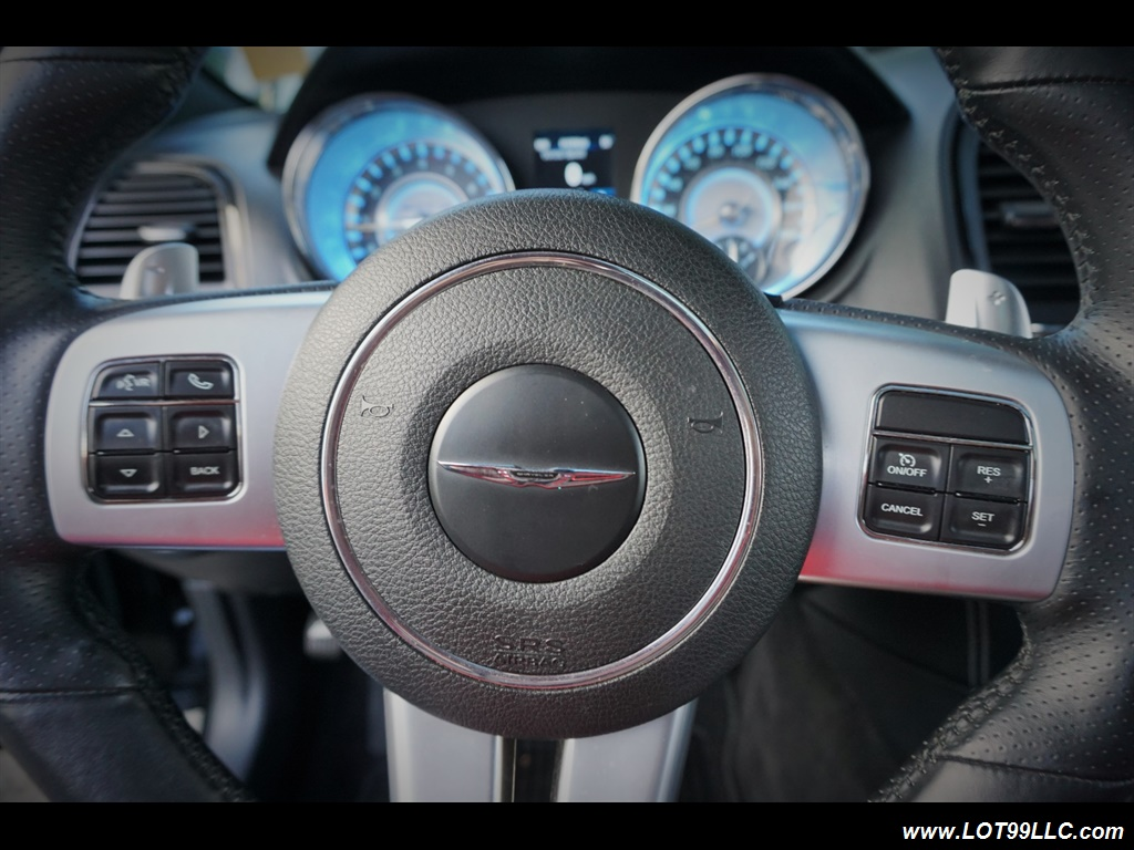 2014 Chrysler 300 Series SRT8 470 HP Loaded Panoramic Roof. - Photo 35 - Milwaukie, OR 97267