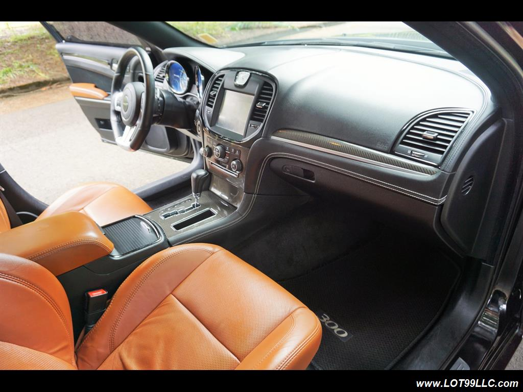 2014 Chrysler 300 Series SRT8 470 HP Loaded Panoramic Roof. - Photo 14 - Milwaukie, OR 97267