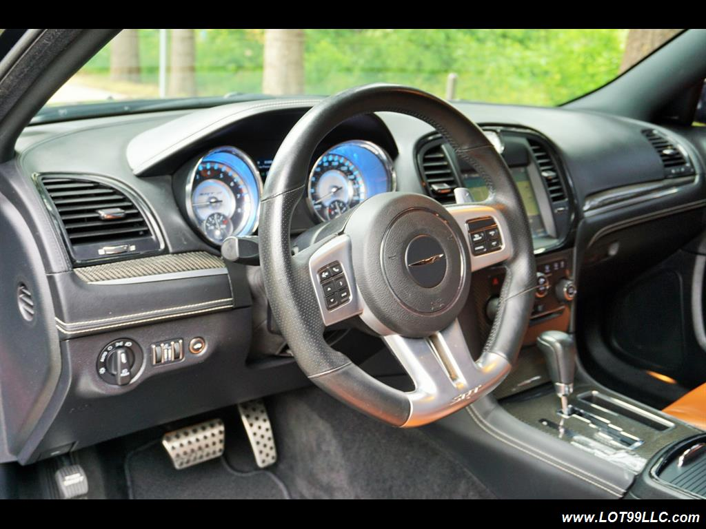 2014 Chrysler 300 Series SRT8 470 HP Loaded Panoramic Roof. - Photo 10 - Milwaukie, OR 97267