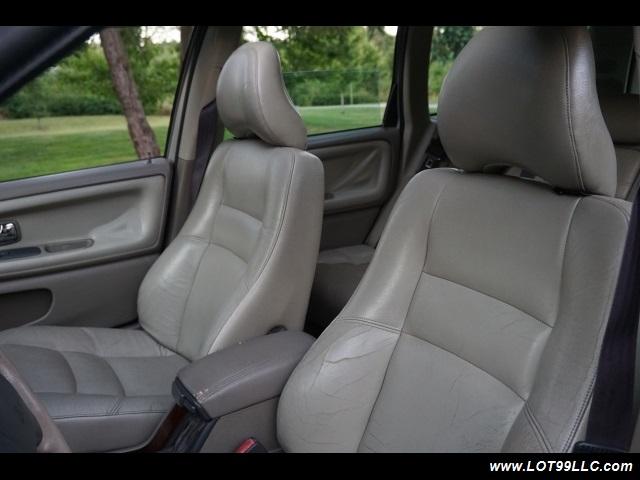2000 Volvo V70 CROSS COUNTRY AWD SE,BRAND NEW TIRES. - Photo 11 - Milwaukie, OR 97267