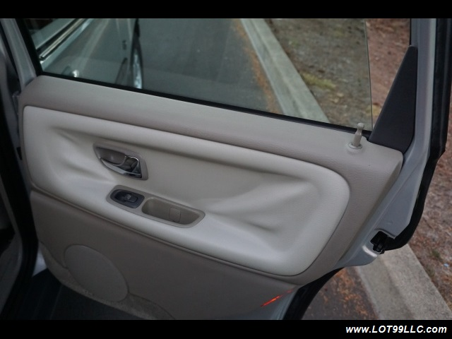 2000 Volvo V70 CROSS COUNTRY AWD SE,BRAND NEW TIRES. - Photo 15 - Milwaukie, OR 97267