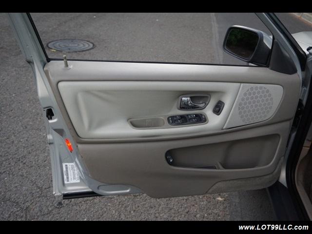 2000 Volvo V70 CROSS COUNTRY AWD SE,BRAND NEW TIRES. - Photo 9 - Milwaukie, OR 97267