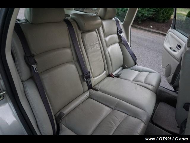 2000 Volvo V70 CROSS COUNTRY AWD SE,BRAND NEW TIRES. - Photo 16 - Milwaukie, OR 97267