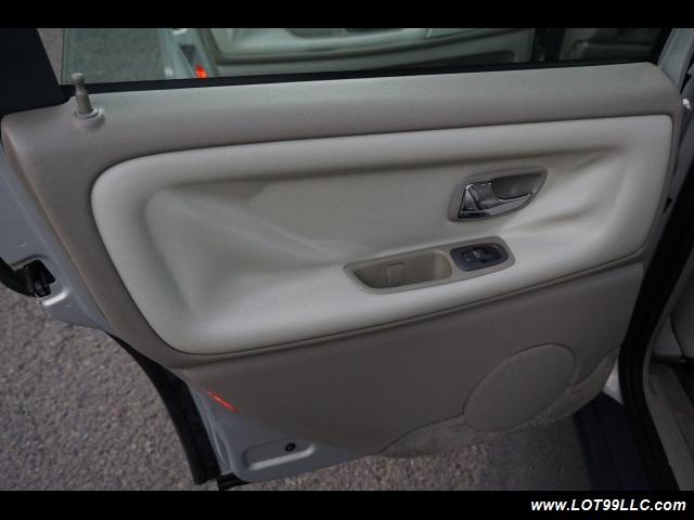 2000 Volvo V70 CROSS COUNTRY AWD SE,BRAND NEW TIRES. - Photo 12 - Milwaukie, OR 97267