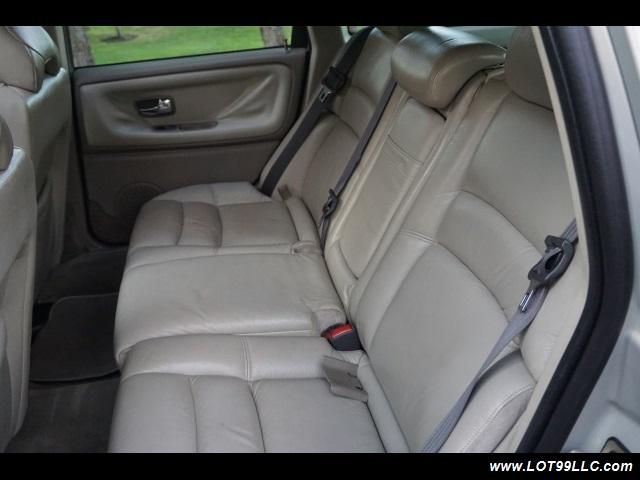 2000 Volvo V70 CROSS COUNTRY AWD SE,BRAND NEW TIRES. - Photo 13 - Milwaukie, OR 97267