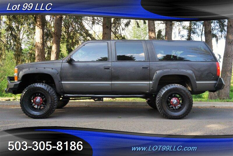 The 1999 Chevrolet Suburban K1500 photos