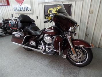 2011 Harley-Davidson Ultra Classic Limited - Photo 2 - Kingman, KS 67068