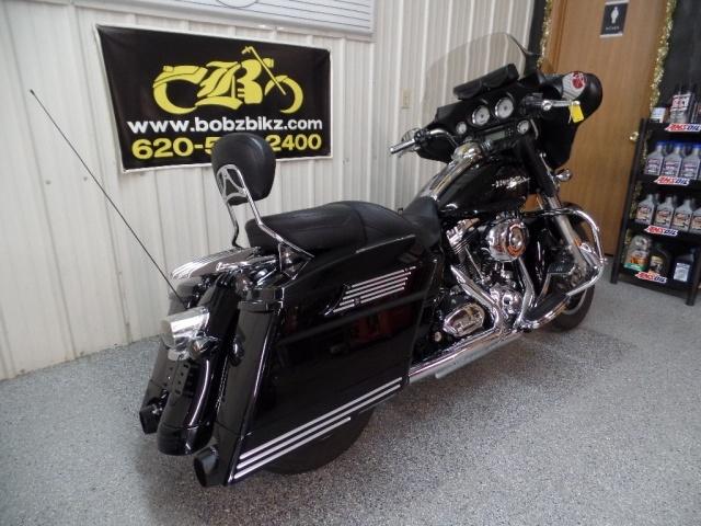 2009 Harley-Davidson Street Glide - Photo 11 - Kingman, KS 67068
