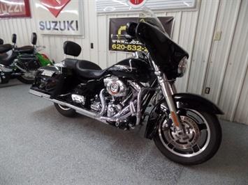 2009 Harley-Davidson Street Glide - Photo 2 - Kingman, KS 67068