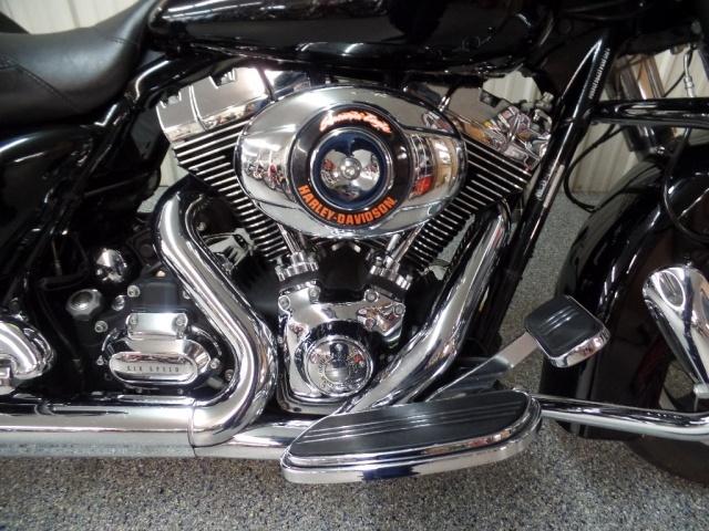 2009 Harley-Davidson Street Glide - Photo 9 - Kingman, KS 67068