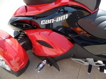 2009 Can-Am Spyder GS SE5 - Photo 11 - Kingman, KS 67068