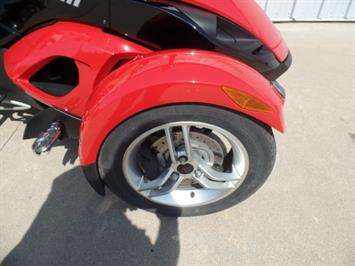 2009 Can-Am Spyder GS SE5 - Photo 8 - Kingman, KS 67068