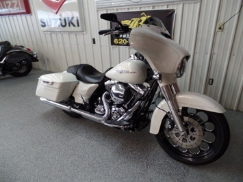 2014 Harley-Davidson Street Glide S - Photo 2 - Kingman, KS 67068