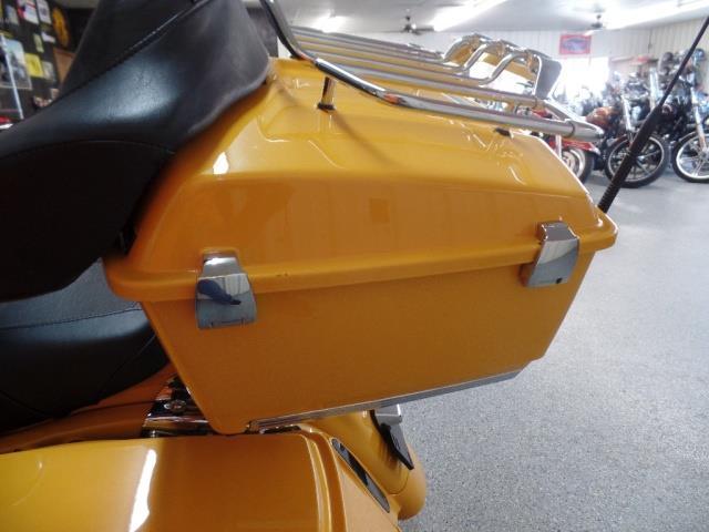 2009 Harley-Davidson Road Glide CVO - Photo 27 - Kingman, KS 67068