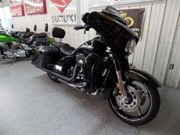 2016 Harley-Davidson Street Glide CVO - Photo 2 - Kingman, KS 67068