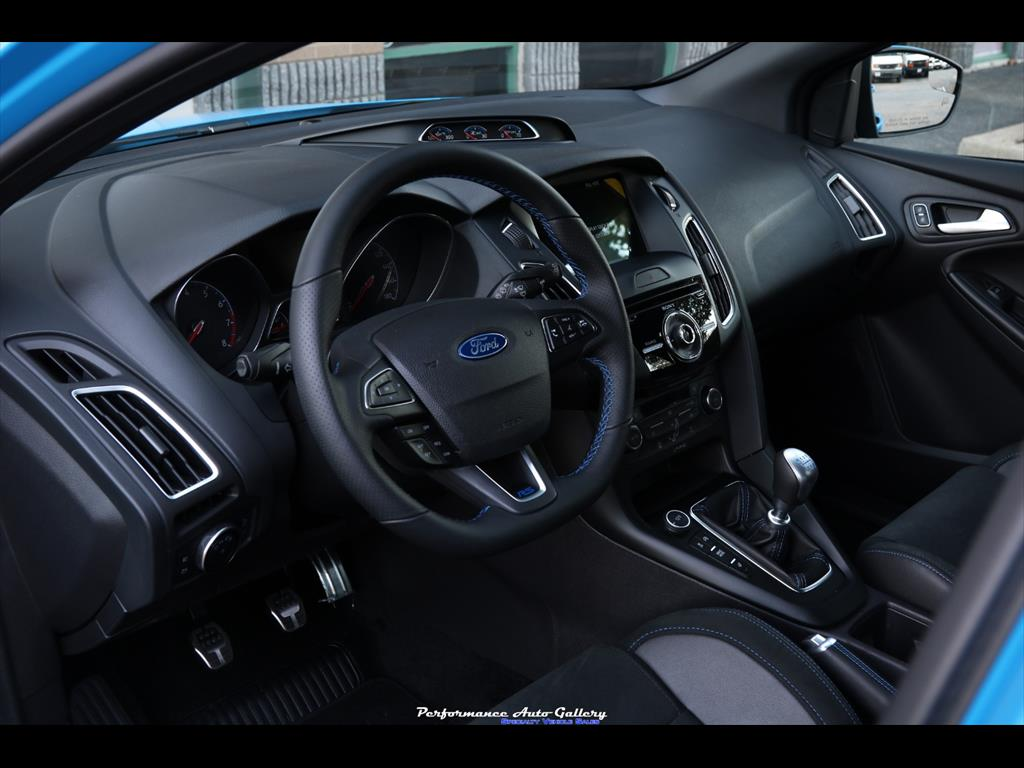 2016 Ford Focus RS - Photo 32 - Gaithersburg, MD 20879