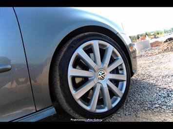 2008 Volkswagen R32 - Photo 10 - Gaithersburg, MD 20879