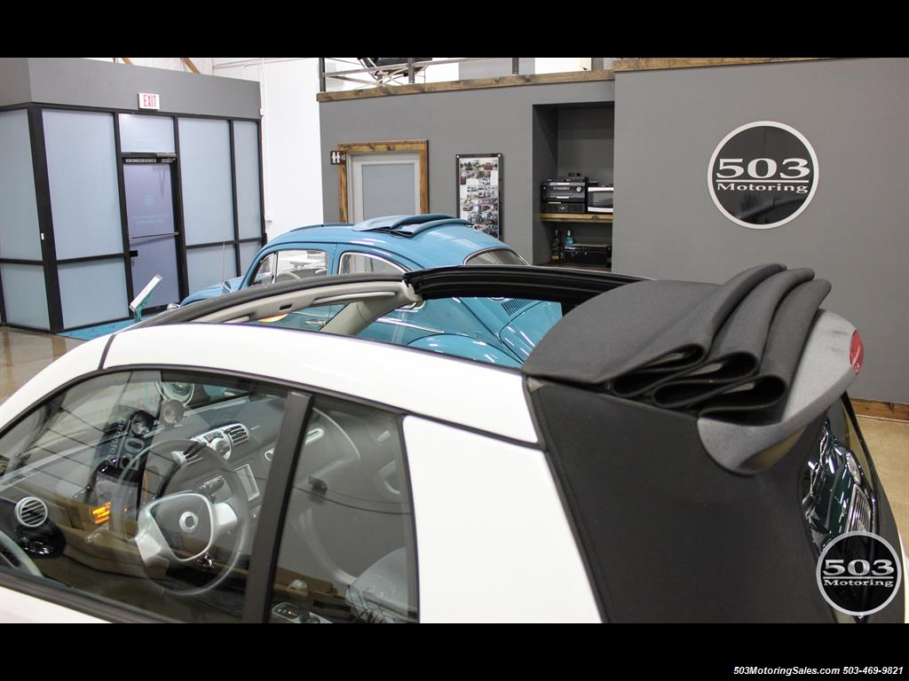 2014 Smart fortwo passion electric cabriolet; White/Black, Loaded! - Photo 22 - Beaverton, OR 97005