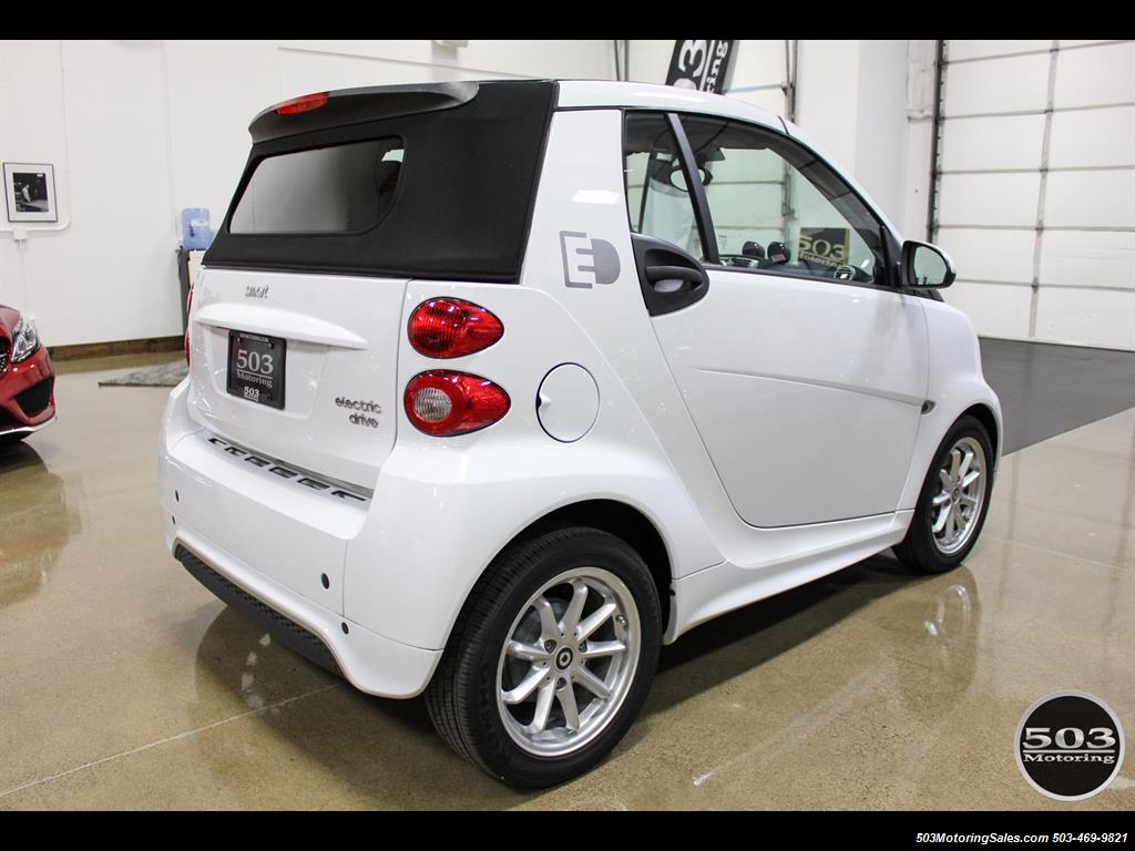 2014 Smart fortwo passion electric cabriolet; White/Black, Loaded! - Photo 5 - Beaverton, OR 97005