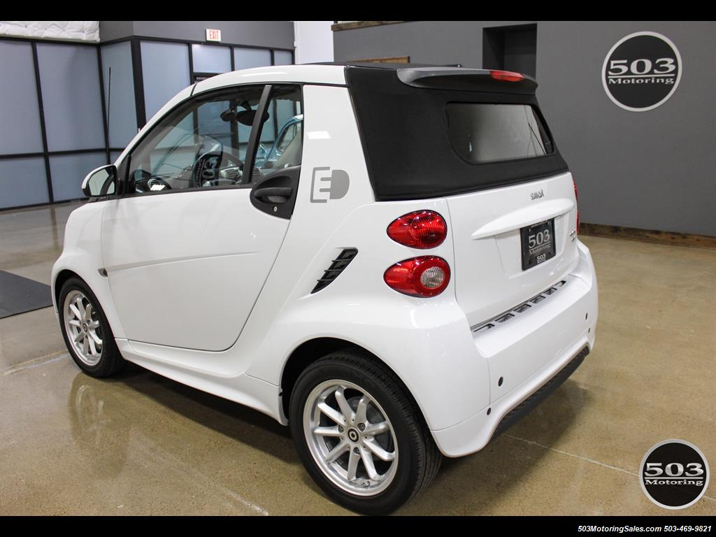 2014 Smart fortwo passion electric cabriolet; White/Black, Loaded! - Photo 3 - Beaverton, OR 97005