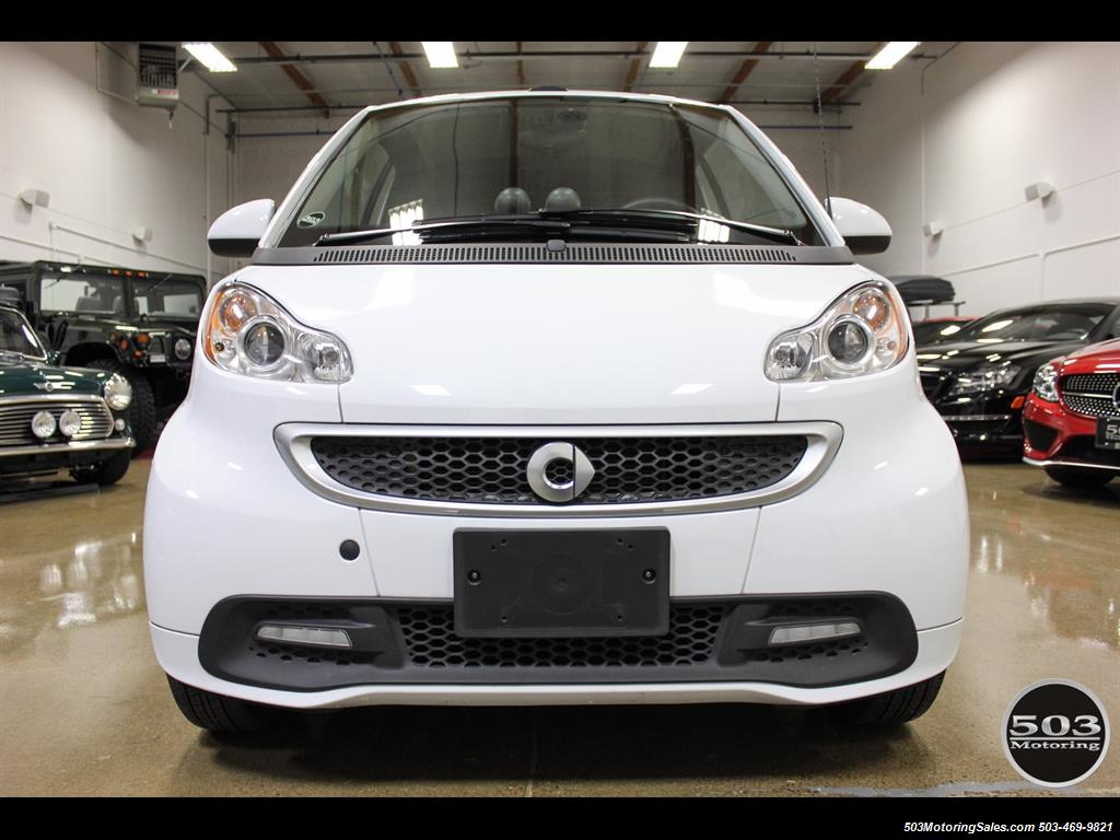 2014 Smart fortwo passion electric cabriolet; White/Black, Loaded! - Photo 8 - Beaverton, OR 97005