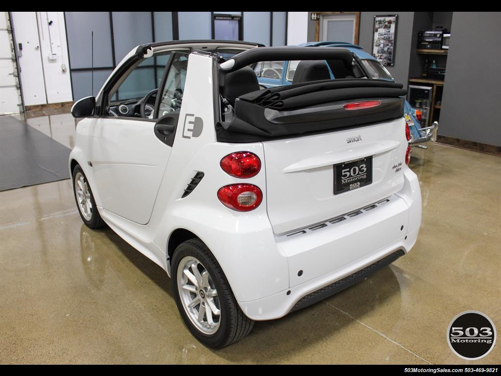 2014 Smart fortwo passion electric cabriolet; White/Black, Loaded! - Photo 13 - Beaverton, OR 97005