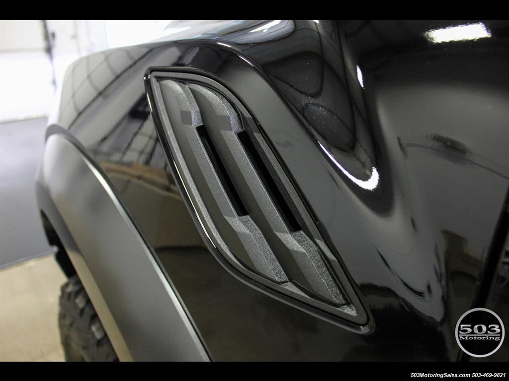 2017 Ford F-150 Raptor; Black/Black, Nav w/ Only 850 Miles! - Photo 12 - Beaverton, OR 97005
