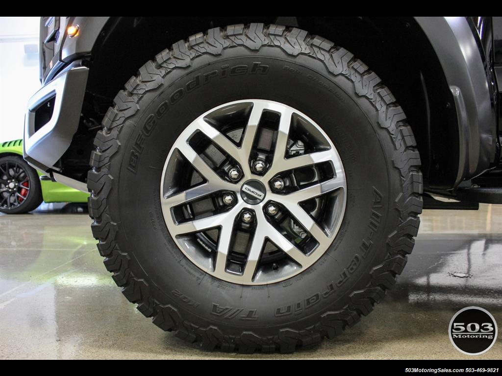 2017 Ford F-150 Raptor; Black/Black, Nav w/ Only 850 Miles! - Photo 23 - Beaverton, OR 97005