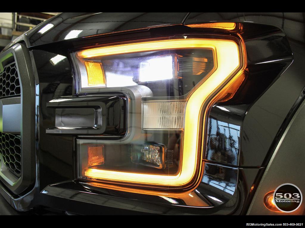 2017 Ford F-150 Raptor; Black/Black, Nav w/ Only 850 Miles! - Photo 10 - Beaverton, OR 97005