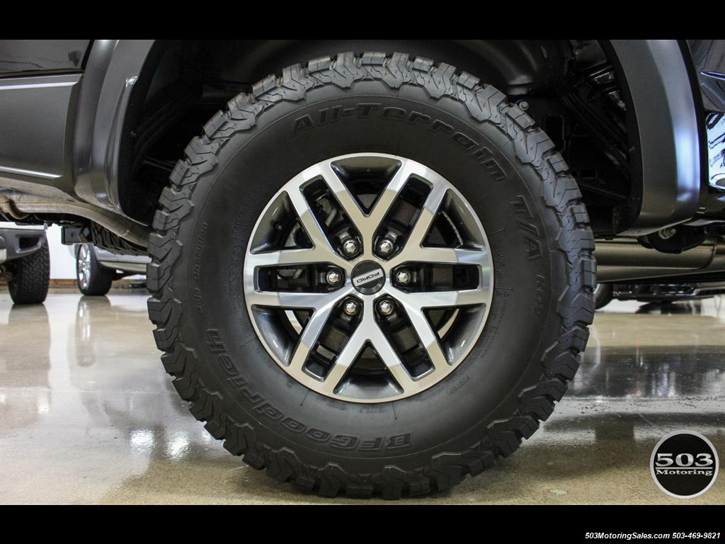 2017 Ford F-150 Raptor; Black/Black, Nav w/ Only 850 Miles! - Photo 25 - Beaverton, OR 97005