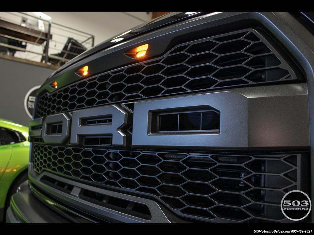 2017 Ford F-150 Raptor; Black/Black, Nav w/ Only 850 Miles! - Photo 8 - Beaverton, OR 97005