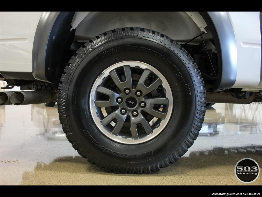 2010 Ford F-150 SVT Raptor; White/Black w/ Only 17k Miles! - Photo 22 - Beaverton, OR 97005