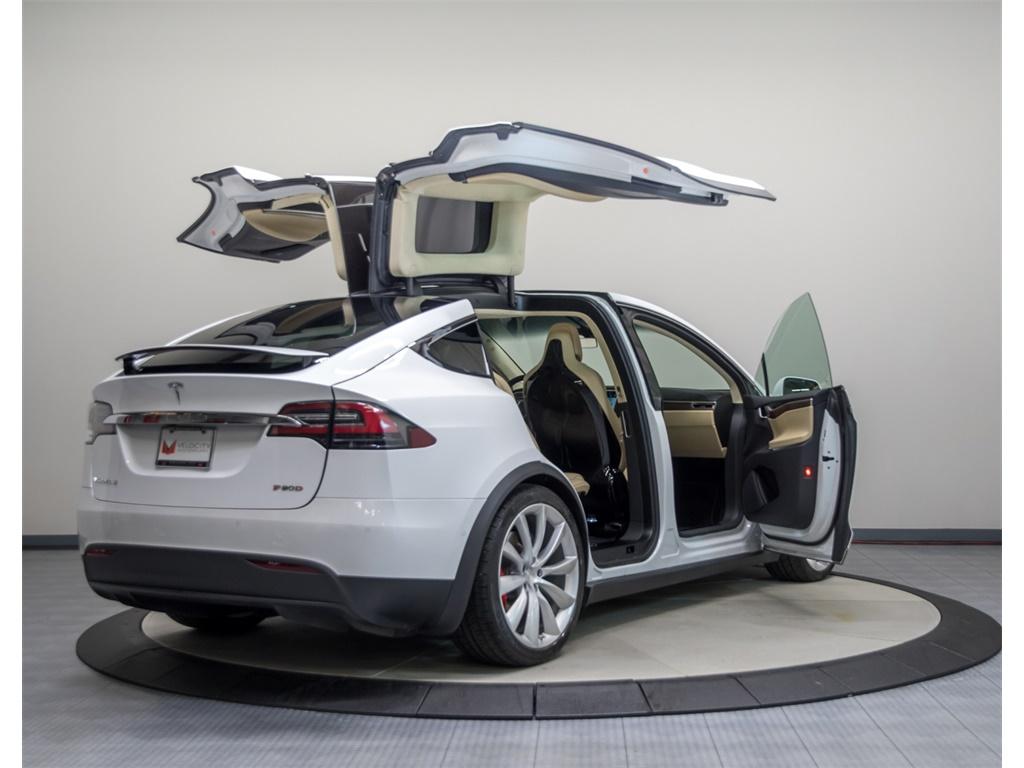 2016 Tesla Model X P90D Signature Edition - Photo 18 - Nashville, TN 37217