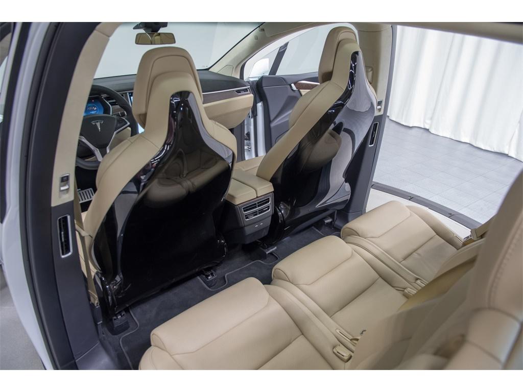 2016 Tesla Model X P90D Signature Edition - Photo 34 - Nashville, TN 37217