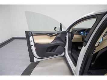 2016 Tesla Model X P90D Signature Edition - Photo 32 - Nashville, TN 37217