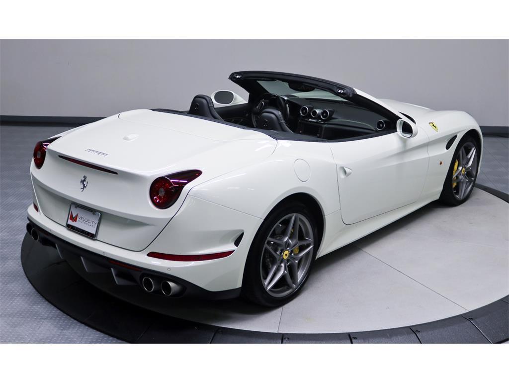 2015 Ferrari California T - Photo 14 - Nashville, TN 37217
