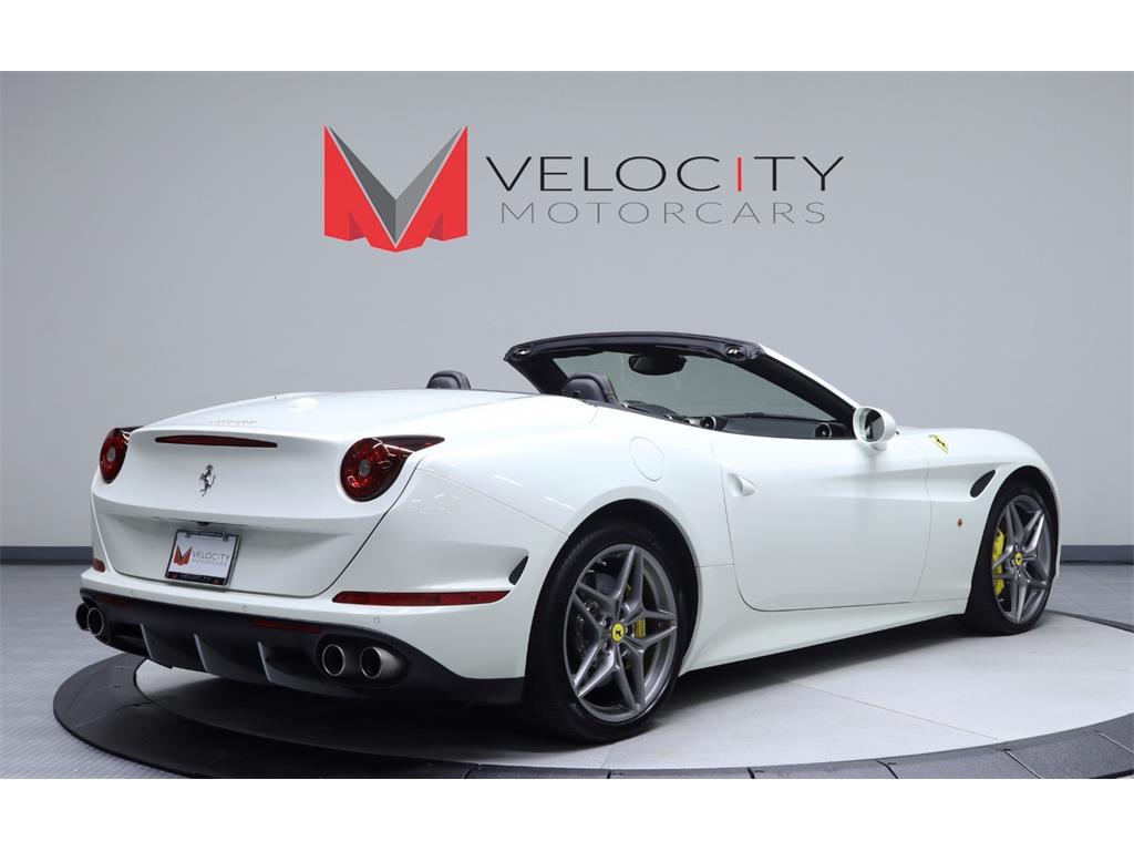 2015 Ferrari California T - Photo 4 - Nashville, TN 37217