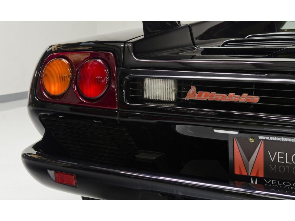 1994 Lamborghini Diablo VT - Photo 35 - Nashville, TN 37217