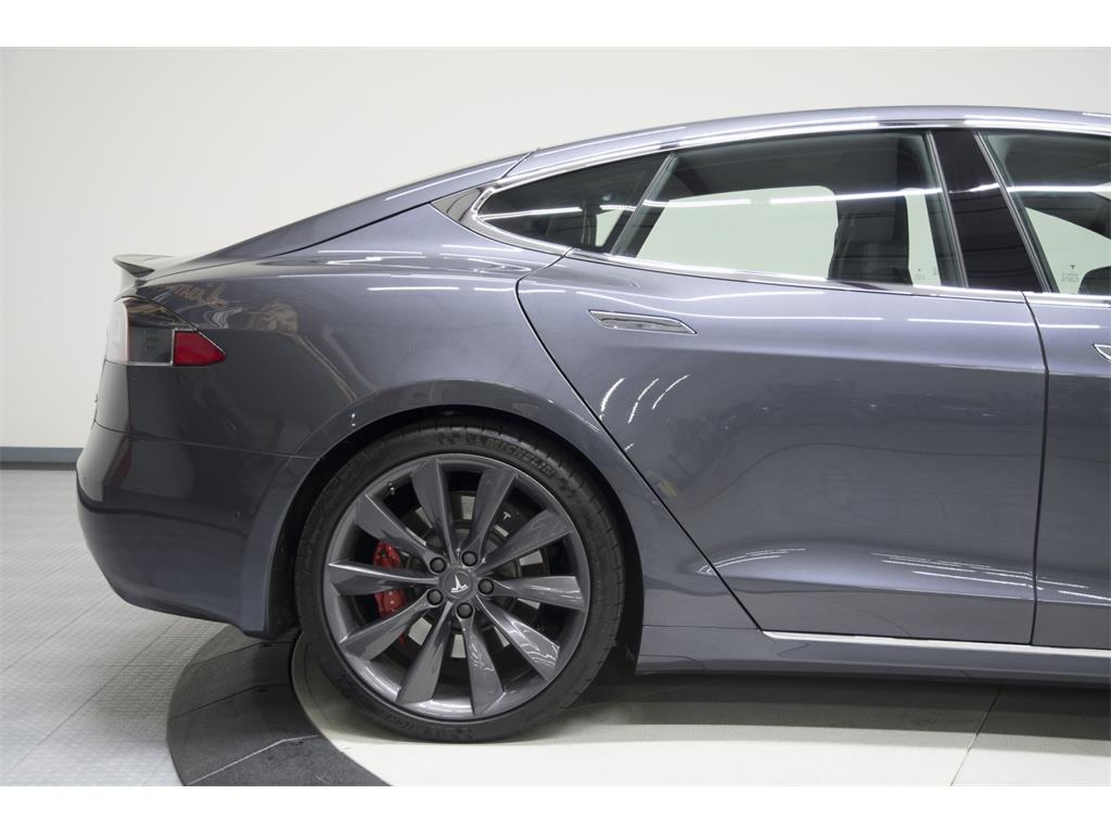 2016 Tesla Model S P90D - Photo 24 - Nashville, TN 37217