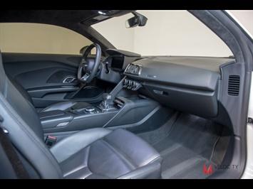 2017 Audi R8 5.2 quattro V10 - Photo 32 - Nashville, TN 37217