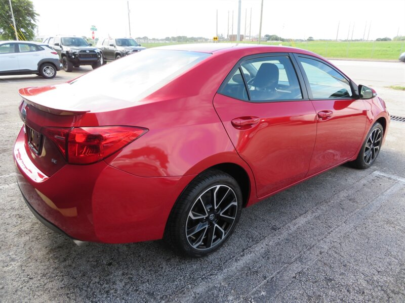 2019 Toyota Corolla LE photo