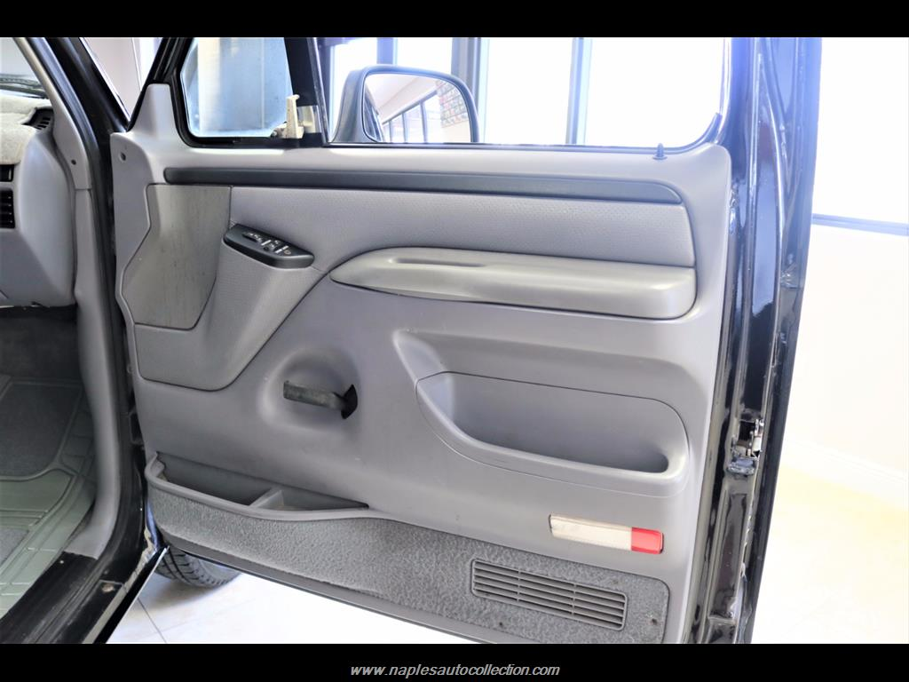 1996 Ford Bronco XLT - Photo 27 - Fort Myers, FL 33967