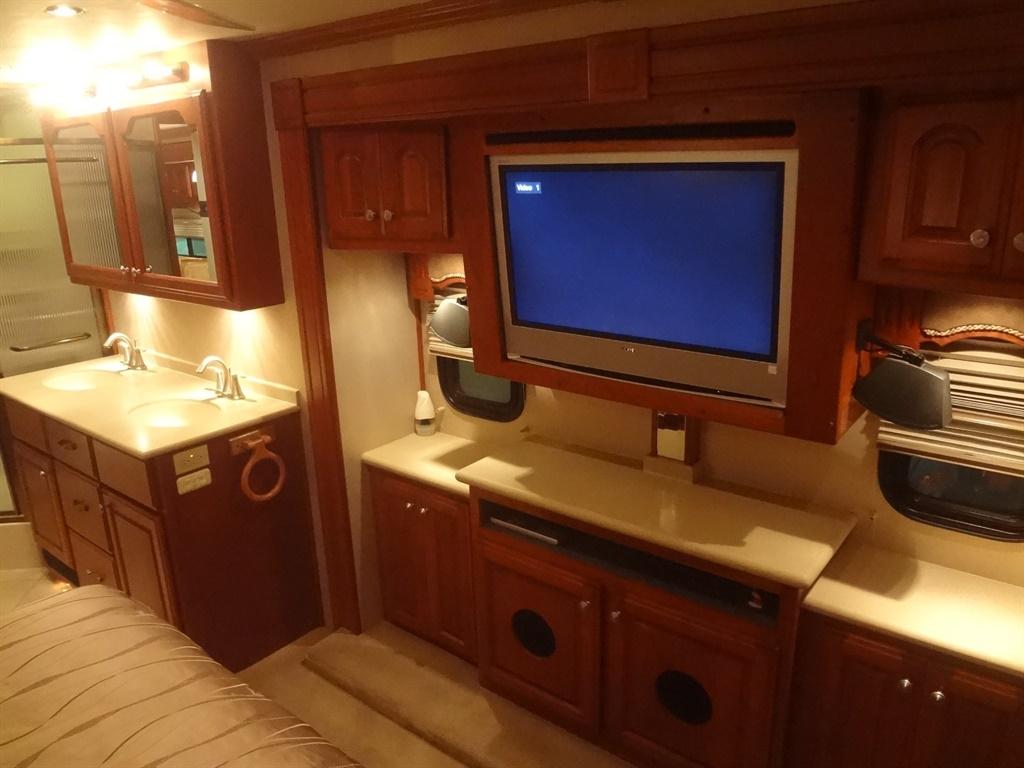 2006 Fleetwood American Eagle 42R Premium plus package - Photo 56 - Longwood, FL 32750
