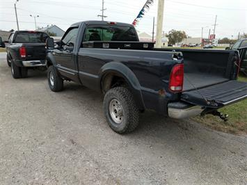 2000 Ford F-350 Super Duty XL 2dr Standard Cab XL - Photo 4 - Topeka, KS 66609