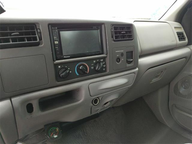 2000 Ford F-350 Super Duty XL 2dr Standard Cab XL - Photo 10 - Topeka, KS 66609