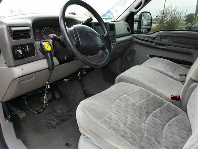 2000 Ford F-350 Super Duty XL 2dr Standard Cab XL - Photo 8 - Topeka, KS 66609