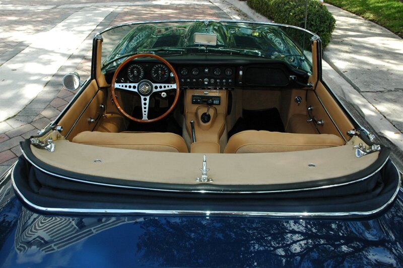 1966 Rolls-Royce Phantom Drophead Coupe photo