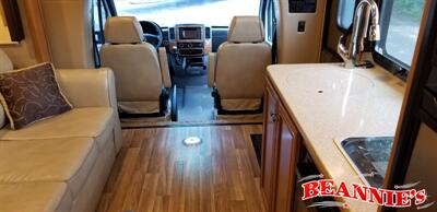 Beannies's Auto & Truck Sales   Motorcoaches